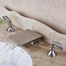 Bagno controsoffitto lavandino rubinetto cascata