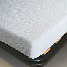 Coprimaterasso in cotone con angoli elastici.