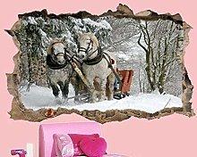 Due Piccoli Cavalli In Inverno Ammirano Il Murale