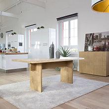 Tavolo moderno in legno piano con bordo naturale