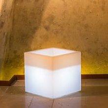 Vaso Cube In Resina Quadrato H40 Lampada Bianca